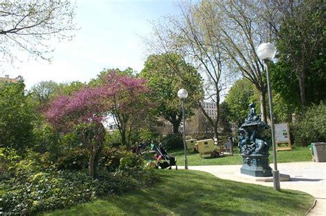 Parigi, Canal Saintmartin Scopri 33 Hotel E 338