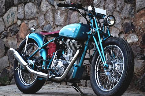 Royal Enfield Classic 500 Modification by Custom Royal Enfield Classic 500 Modified Into A Vintage