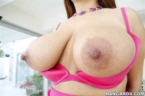 Cute latina with a thick ass Penelope - Asses Photo