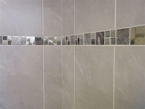 bathroom border tiles ideas for bathrooms 10 30m2 or sle travertine effect grey bathroom wall