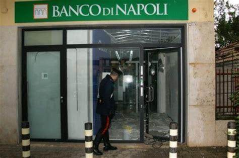 filiale banco di napoli carabinieri salvano filiale banco di napoli ladri