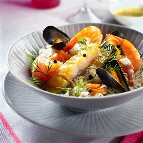 la cuisine de la mer choucroute de poissons facile recette sur cuisine actuelle