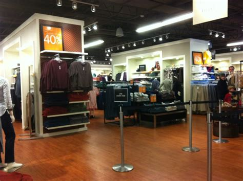 Dial option 2 for credit cards and 2 for credit card application status inquiry. Banana Republic Factory Store - 16 Reviews - Women's Clothing - 1 Premium Outlet Blvd, Wrentham ...