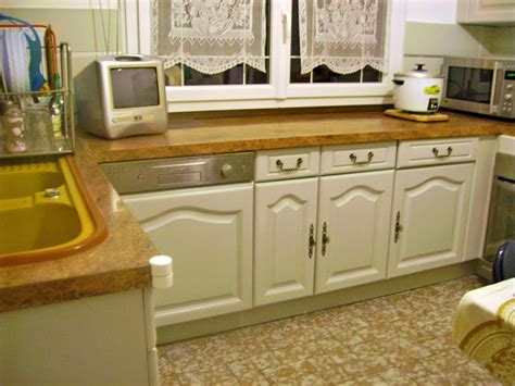 meuble de cuisine repeint conseils pour repeindre cuisine en chêne cuisine