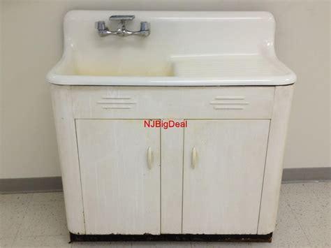 vintage kitchen sink 40 best images about vintage sinks on vintage 3223
