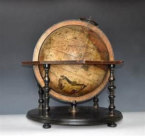 Globe Terrestre En Bois : les 561 meilleures images du tableau globes terrestre c lestes anciens sur pinterest globes ~ Teatrodelosmanantiales.com Idées de Décoration