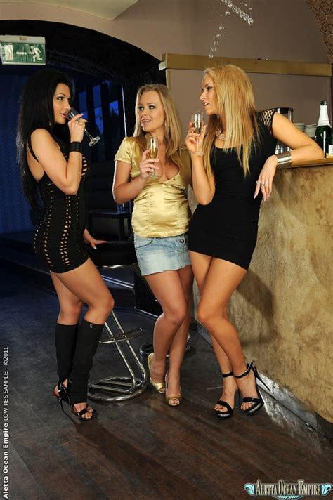 Euro Babes Db Lesbian Girls Fuck In Club