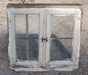 Spiegelschrank Shabby Chic : kleines kastenfenster unrestauriert vintage shabby chic rottal antik bauernm bel mehr ~ Markanthonyermac.com Haus und Dekorationen