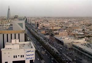 Coronavirus  Saudi Imposes Curfew For 21 Days