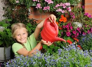 Wann Balkon Bepflanzen : balkon bepflanzen die sch nsten pflanzen ihre pflanzzeit ~ Frokenaadalensverden.com Haus und Dekorationen