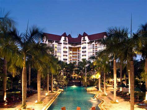 Hotel Surabaya  Novotel Surabaya Hotel & Suites. We Home Motel Taichung. Mandarin Hotel. Senkyoro Hotel. Ranyatavi Resort. Chonju Core Riviera Hotel. Casa De Maria Hotel. Corinthia Hotel London. Crowne Plaza Antalya Hotel