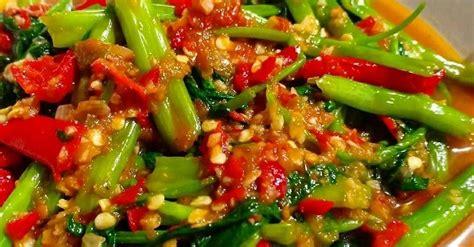 Meskipun lebih memilih yang praktis, pastikan anda juga mempertimbangkan resep masakan sederhana tapi enak dan sehat ya? 3 Resep Tumis Kangkung Sederhana, Bisa Dimasak Hot Plate dan Pedas