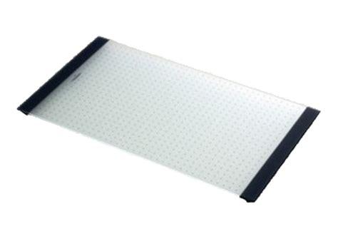 planche en verre pour cuisine planche à découper en verre pour évier luisina disponible