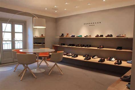 Interni Negozi - arredamento interni per privati negozi spazi espositivi