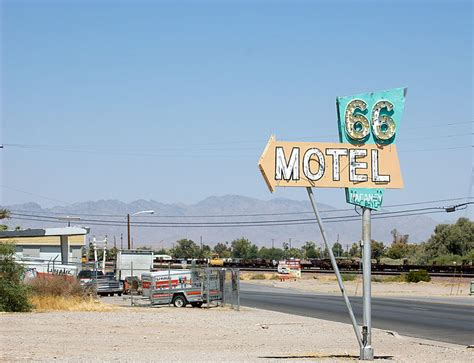 File Route66 Sign Jpg File Route 66 Motel Sign Needles Ca Jpg Wikimedia Commons