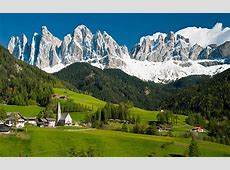Germanspeaking South Tyrol in flag row over Italy's 100th