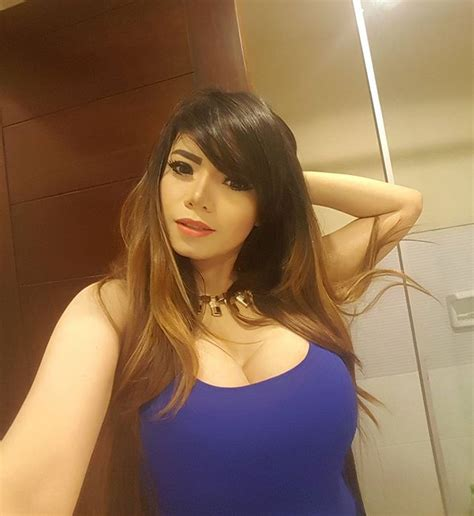 30 foto dj dinar candy makin sexy dan hot aja model sexy indonesia