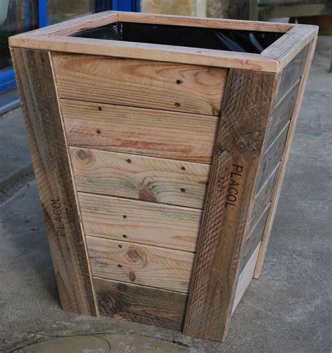 range bouteille pour cuisine jardinière en bois de palette fabrication artisanale sur