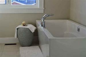 How To Unclog A Bathtub Drain With Baking Soda