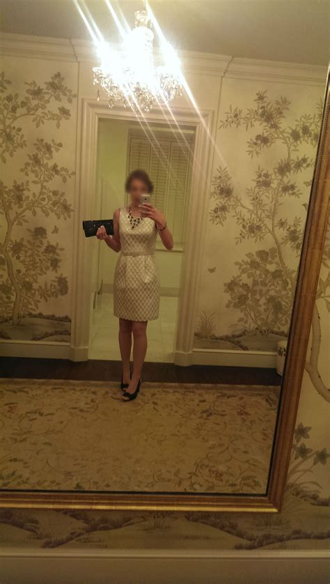 heres  woman supposedly   selfie   white house