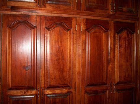 cedar closet wood doors wood closet 183 free photo on pixabay