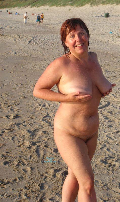 Horny Milf On Nude Beach February Voyeur Web