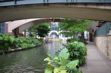 San Antonio Riverwalk Boat Ride Timings by San Antonio River Walk Luckdragontravels