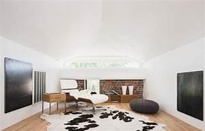deco salon blanc pour une atmosphere accueillante 80 idees With tapis peau de vache avec canape angle gauche cuir blanc