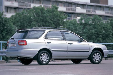 1996 Suzuki Baleno Photos, Informations, Articles