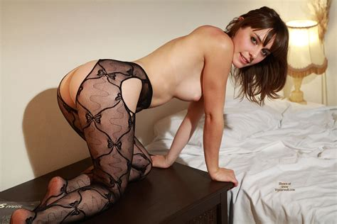 Sexy French Chick Down On All Fours January 2012 Voyeur Web Hall Of Fame