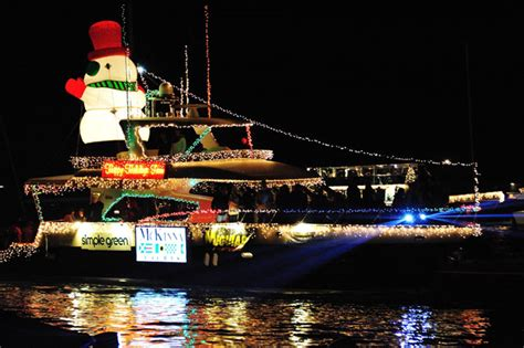 Where To Park For Newport Beach Boat Parade by 108th Newport Beach Christmas Boat Parade Reserve Tickets