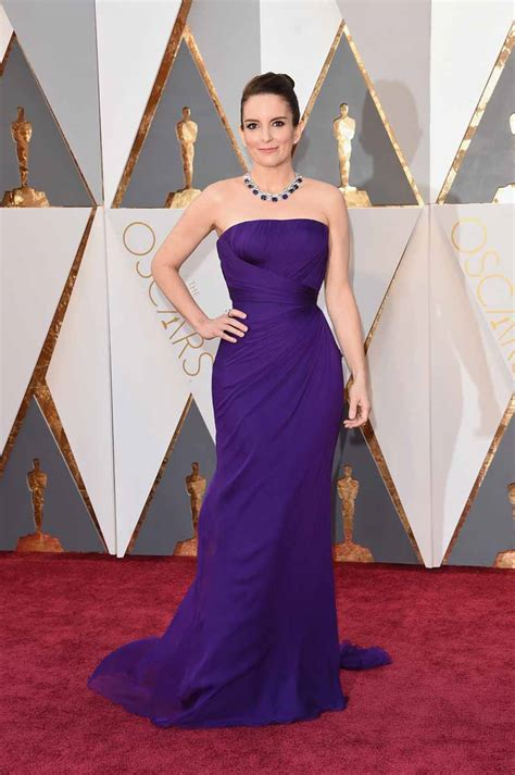 tina fey fashion at the academy awards tina fey is gorgeous in versace