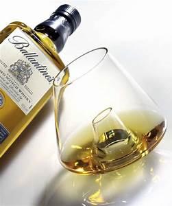 Service A Whisky : l 39 art de la d gustation par ballantine 39 s diisign ~ Teatrodelosmanantiales.com Idées de Décoration