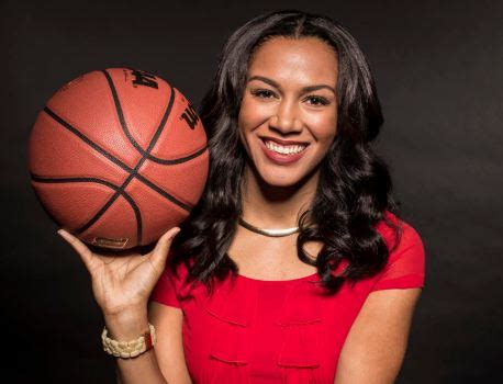 warriors reporter rosalyn gold onwude moving  turner sports