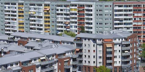 Wohnung Mit Garten Berlin Marzahn Hellersdorf by Trotz Neubau Und F 246 Rderung Zahl Der Sozialwohnungen In