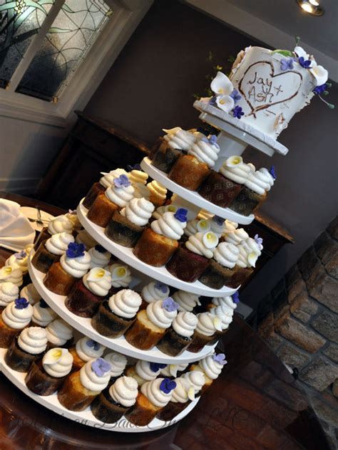 wedding cupcakes custom wedding cupcake trays specialty wedding cupcakes themed wedding