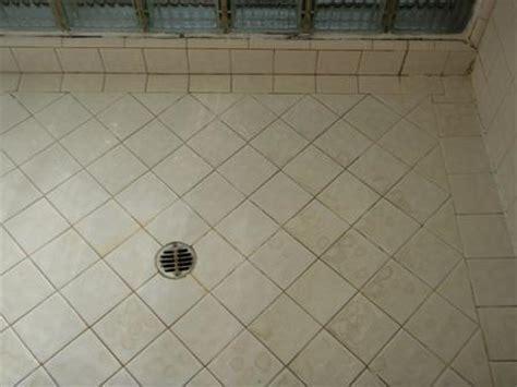 cleaning bathroom tile how to clean bathroom tile