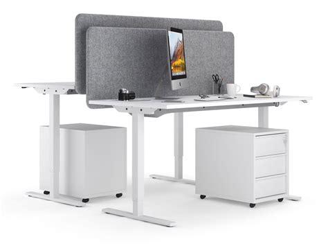 Kā izvēlēties vislabāko darba galdu? - Thomson Furniture