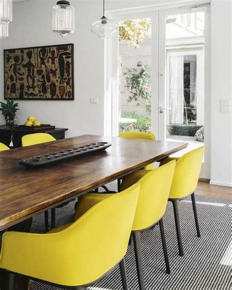 canapé roset togo fauteuil jaune la couleur intemporelle et tendance