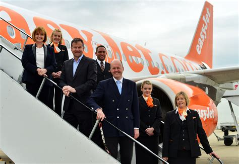 Easy Jet Cabin Crew Easyjet To Recruit More Than 1200 New Cabin Crew