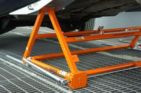 auto bis 3000 autolift 3000 mobile kippb 252 hne und hebeb 252 hne bis 3000kg
