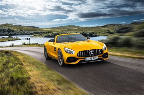 mercedes amg gt  roadster  stuck   middle