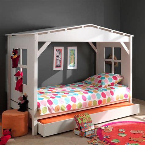cabane chambre fille les 25 meilleures idées de la catégorie lit cabane sur