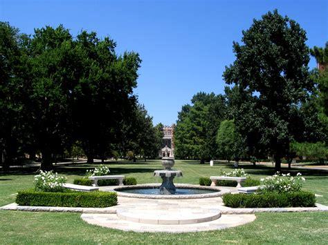 Campus University of Oklahoma South Oval