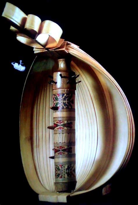 Bansi terbuat dari bahan bambu. Alat   Musik   Tradisional   Nusantara: NTT