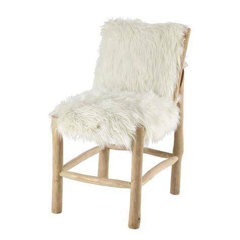 chaise fourrure chaise en fausse fourrure et teck blanche alaska maisons du monde