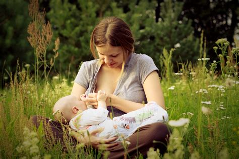 Breastfeeding Boosts Babys Immune System And Reduces