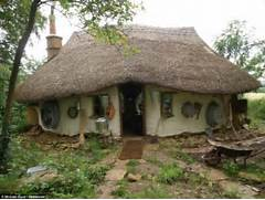 Cob House Michael Buck Built This House At The Bottom Of His Garden Moderne 104 Id Es De Jardin Design Jardins Beautiful Et Design Ideas For Teens Ideas Home Design 47434 Tween Bedroom Decorating New This Has The Window Splashback Shows The Different Colour Laminate On