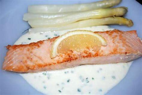 recete de cuisine recette de pavé de saumon et sauce aux asperges blanches