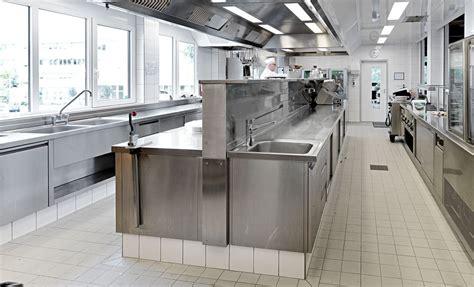 progettazione della vostra cucina industriale  acciaio